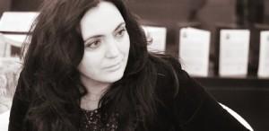 Ce citim în decembrie: recomandările scriitoarei Andreea Răsuceanu