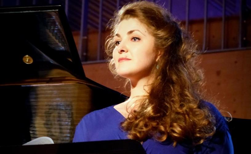 """Andreea Soare, soprană la Opera din Paris: """"Familia m-a învățat să iubesc România"""""""