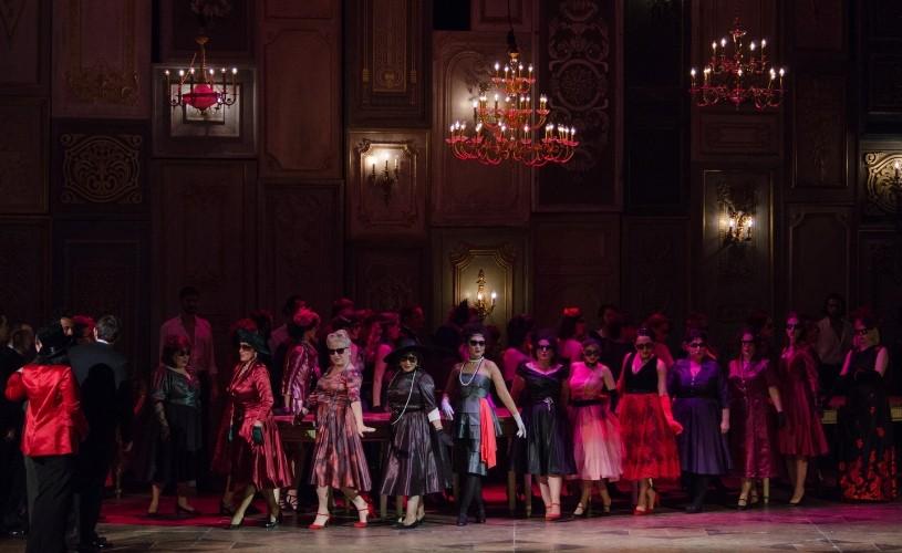 """Soprana Diana Țugui, invitată în """"La Traviata"""", pe scena Operei Naționale București"""