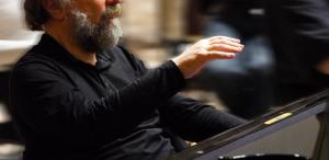 Celebrul pianist Radu Lupu concertează, cu casa închisă, la Royal Festival Hall din Londra