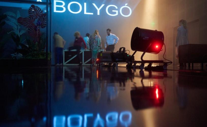 (In)vizibil, un spectacol-colaj la Teatrul Maghiar de Stat Cluj