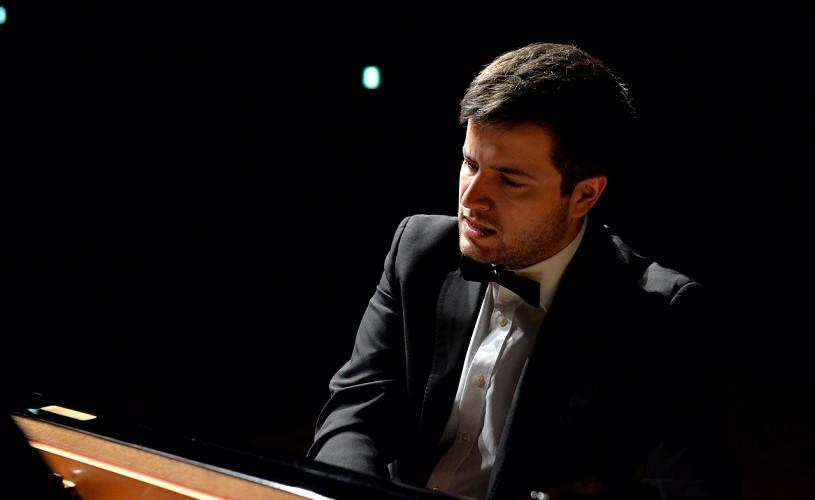 În 2018 a câștigat Festivalul de Pian de la New York:pianistul Florian Mitrea în concert 100% Beethoven la Sala Radio