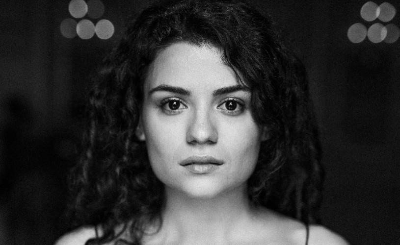"""Theodora Sandu, tânără actriță: """"Sunt mulți actori tineri și buni la noi în țară"""""""