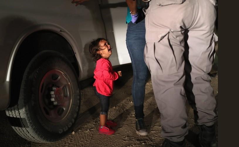 Imaginea unei fetiţe din Honduras plângând, desemnată fotografia anului