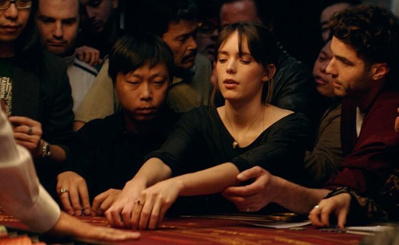 JOUEURS / JOACĂ-TE CU FOCUL! – un thriller amoros cu miză, din 17 mai în cinema