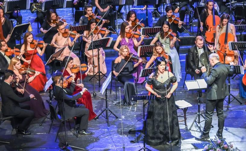 I LOVE PUCCINI: Un megastar al muzicii de operă care încă ridică sălile în picioare