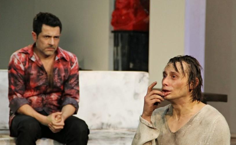 """Teatrul românesc, în impas. """"Nu putem face spectacole fără tehnicieni"""", a spus Mihai Călin în aplauzele publicului"""