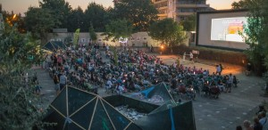 Cinemascop revine! Grădina de vară din Eforie Sud găzduieşte din nou proiecţii de film