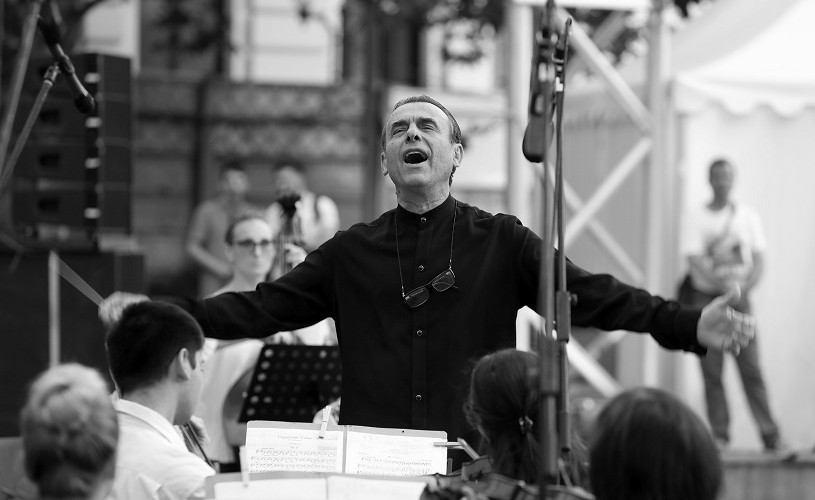 """""""Bucuriile muzicii"""" cu dirijorul Florin Totan și Orchestra Sinfonia București, în Parcul Colțea, pe 4 august şi pe 1 septembrie"""