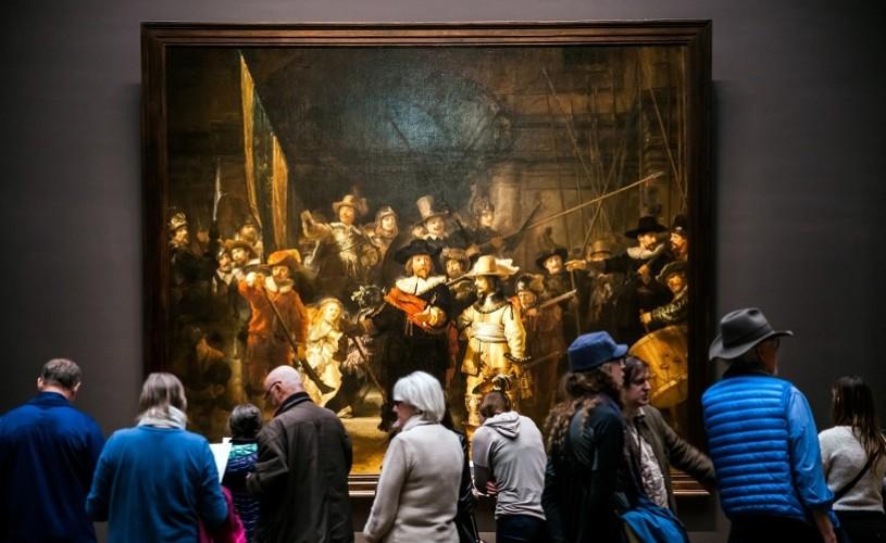 """Restaurarea tabloului """"Rondul de noapte"""", de Rembrandt, poate fi urmărită live pe internet"""