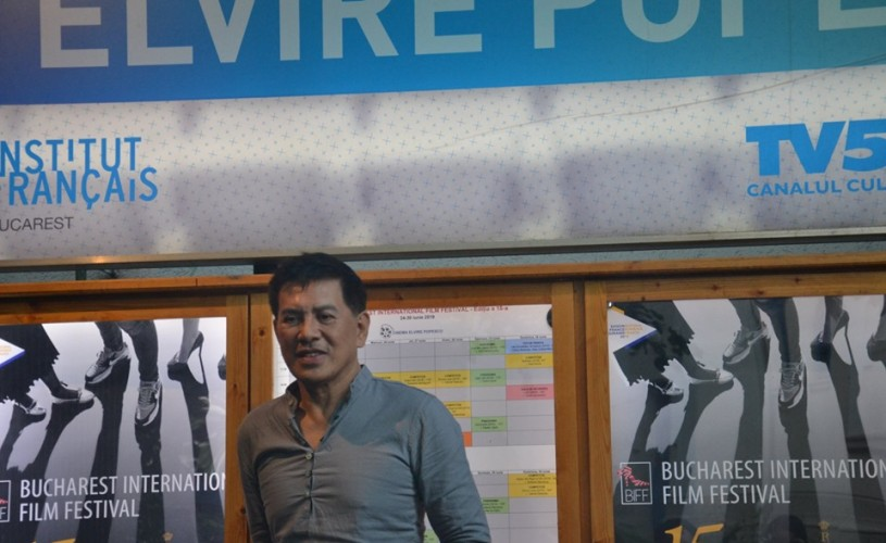 """Brillante Mendoza: """"Învăț film pe măsură ce îmi fac filmele"""""""