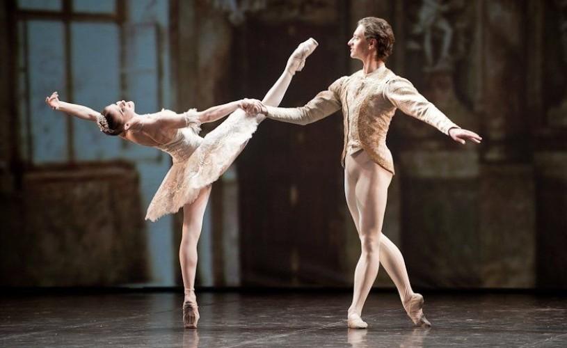 """Alina Cojocaru, alături de Serghei Polunin, în """"Romeo şi Julieta"""""""
