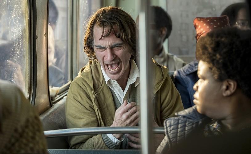 """""""Joker"""", cu Joaquin Phoenix și Robert De Niro în distribuție, din 4 octombrie la cinema"""