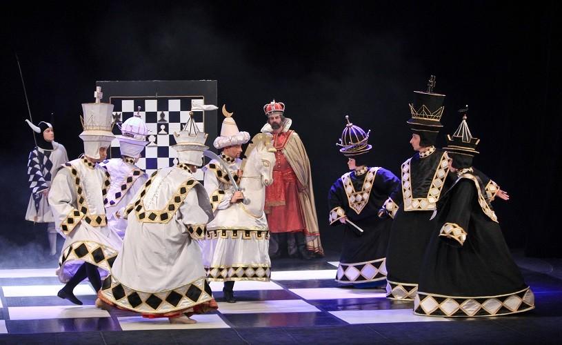"""""""ŞAH""""- un spectacol renascentist de clasă internaţională la Giurgiu"""