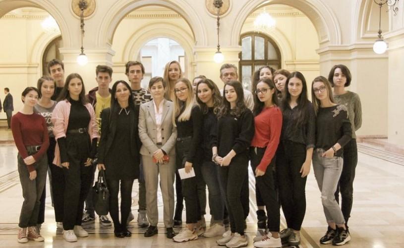 """Colegiul """"Spiru Haret"""" din Bucureşti participă la un proiect european provocator"""