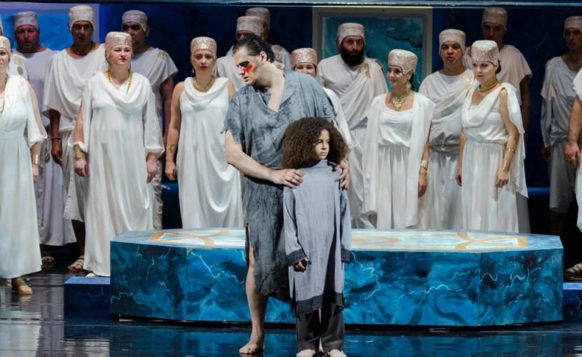 """Opera """"Samson și Dalila"""": dramatism romantic, culori bahice și un cor magnific"""