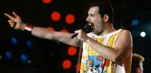 "Ce citim: ""Bohemian Rhapsody - Adevărata biografie a lui Freddie Mercury"", de Lesley Ann Jones"