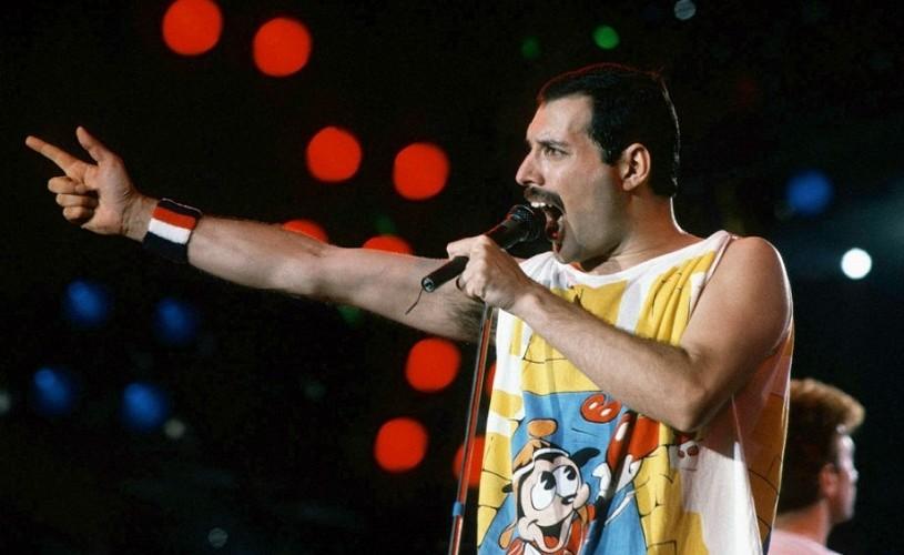 "Ce citim: ""Bohemian Rhapsody – Adevărata biografie a lui Freddie Mercury"", de Lesley Ann Jones"