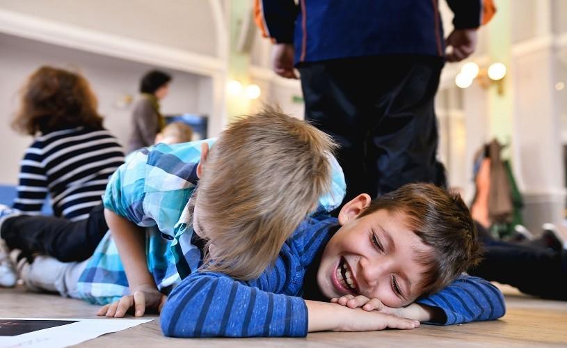 Ateliere pentru copii de toate vârstele, spectacole de lectură și expoziții, la Festivalul Tânăr de la Sibiu