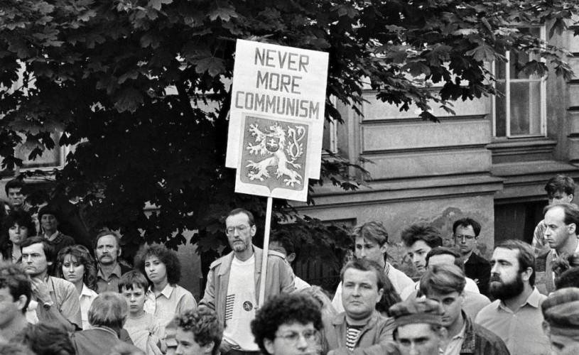 Anul 1989, Revoluţia de Catifea – expoziție de fotografie la Centrul Ceh