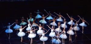 """""""Lacul Lebedelor"""", pe scena Operei Naționale București"""