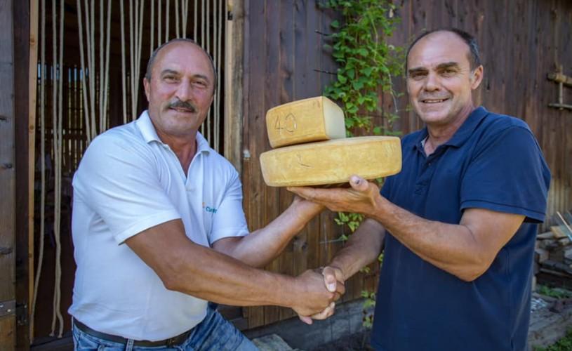 Slow Food Viscri și Viscri 32 – White Barn and Blue House, la Acuarela