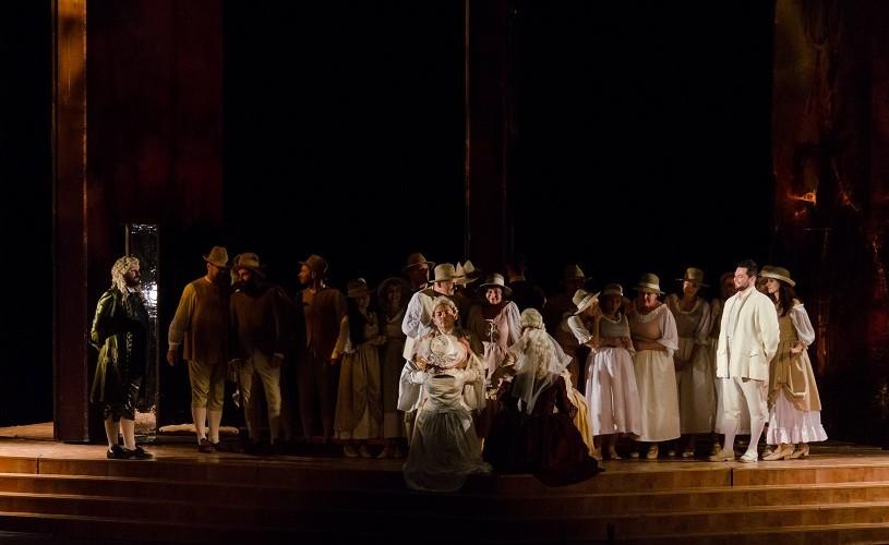 """Mihnea Ignat, invitat la pupitrul dirijoral din """"Nunta lui Figaro"""", de pe scena Operei Naționale București"""
