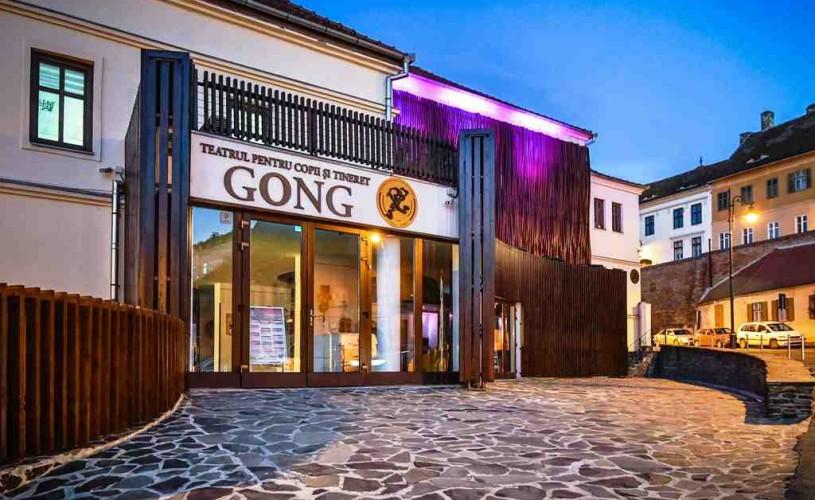Teatrul Gong e alături și de cei mai în vârstă din comunitatea noastră!