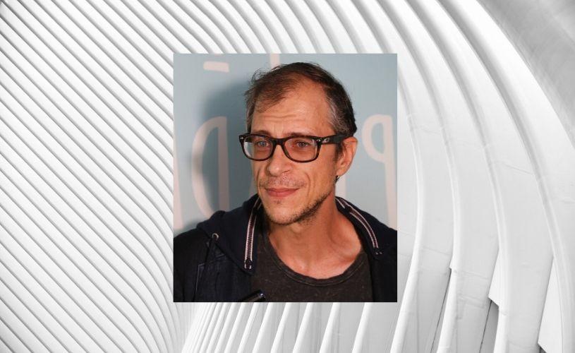 5 întrebări pentru actorii de la Teatrul Metropolis – Radu Romaniuc