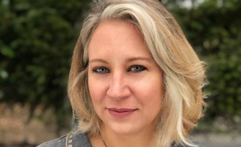 """Editura Nemira lansează """"Vânătăi ascunse: Ce nu știi despre violența domestică te poate ucide"""", de Rachel Louise Snyder"""