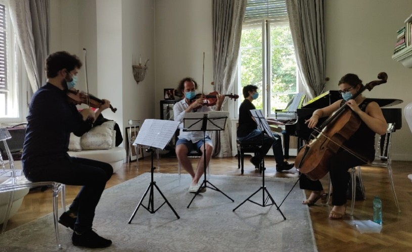Concert al bursierilor SoNoRo Interferențe 2020, la Castelul Cantacuzino din Bușteni