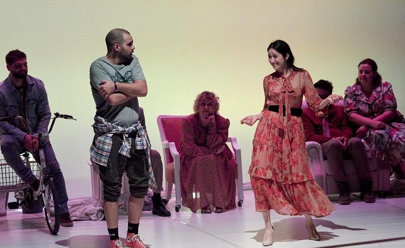 """Spectacolul """"MaMe"""" al Dramaticului gălățean, transmis online la DaFeSt 2020"""