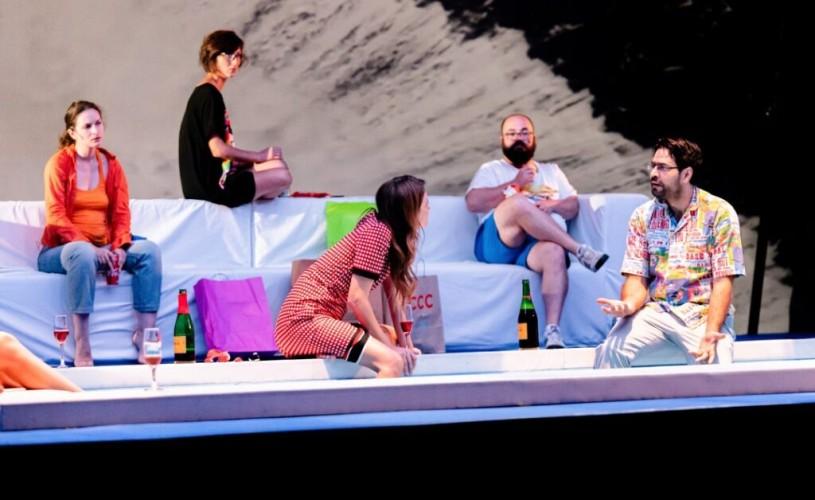 """""""Villa Dolorosa"""", în variantă live streaming: un teatru al apropierii, despre fiinţe sociale, distanţate social"""
