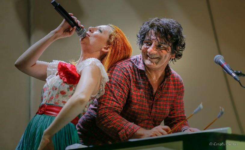 Marius Mihalache & Band, în această sâmbătă pe scena Teatrului Godot