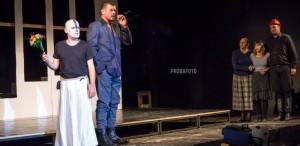 """""""Familia Tót"""", un nou spectacol despre frică, se întâlnește cu publicul"""