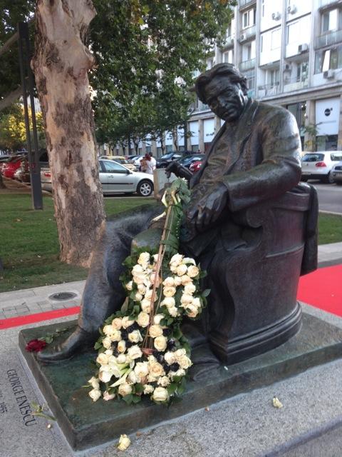 statuie Enescu