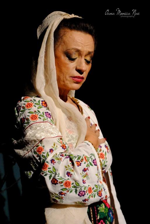 Adriana Trandafir Foto Oana Monica Nae