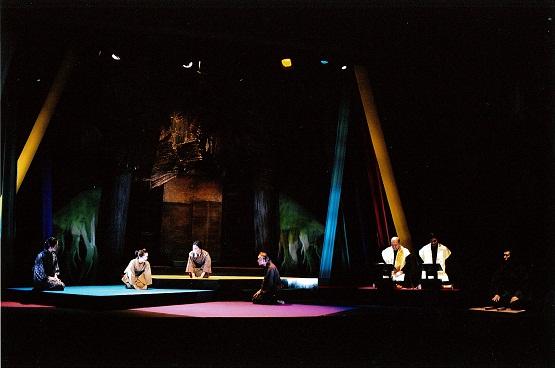 Cele cinci răufăcătoare, Teatrul Odeon