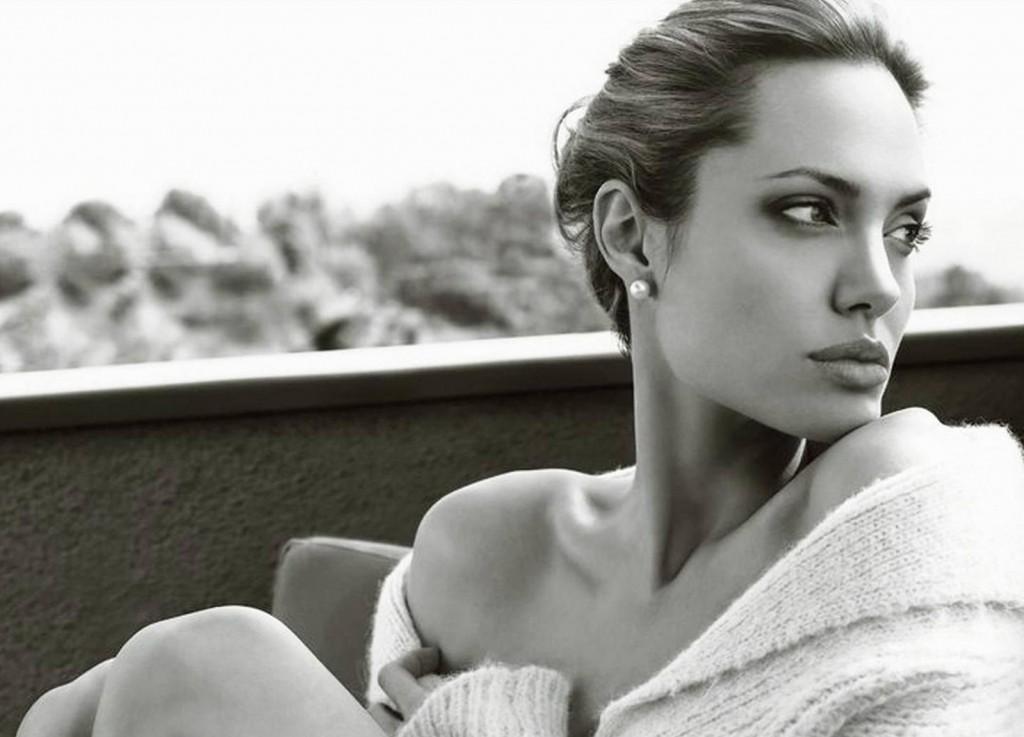 Angelina Jolie, 39 de ani