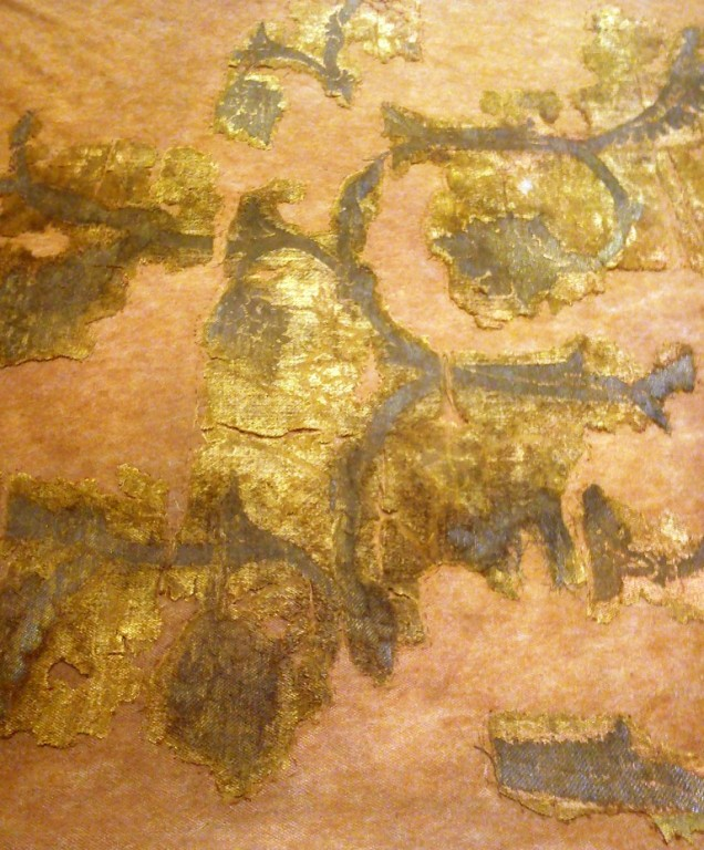 Fragment tesatura (sec.XV), din mormantul lui Alexandru cel Bun
