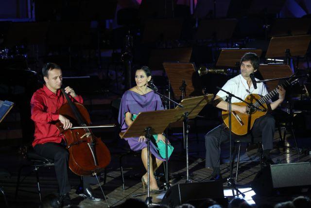 Razvan Suma, Analia Selis  şi Julio Santillan