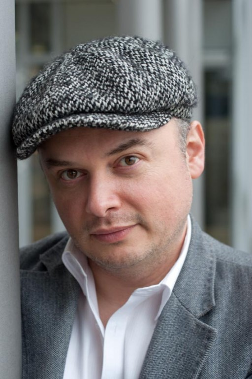 Catalin Dorian Florescu schweizer Autor