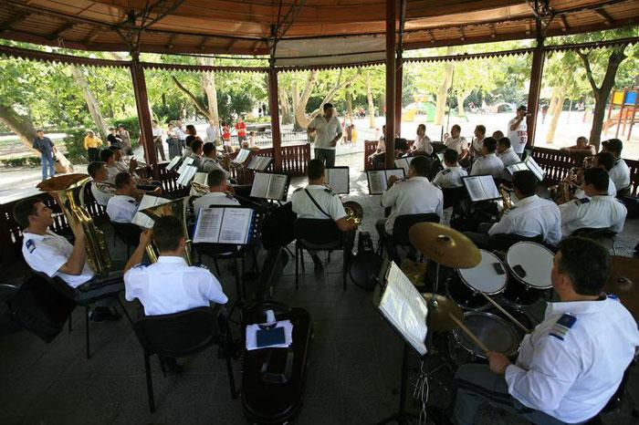Parcul Cişmigiu - Orele Muzicii în Grădina Cişmigiu