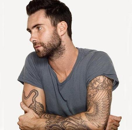"""Adam Levine, """"Cel mai sexy bărbat în viaţă"""" în 2013"""