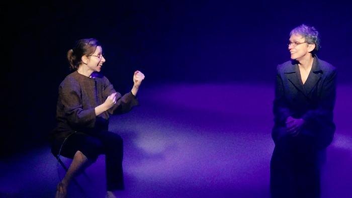 Cristina Casian și Oana Pellea în spectacolul N(aum), Teatrul Metropolis