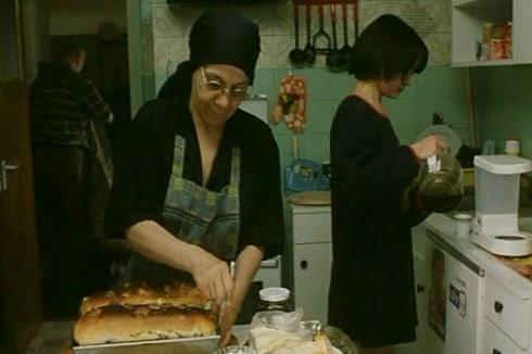Coca Bloos, în filmul Niki Ardelean, colonel in rezerva