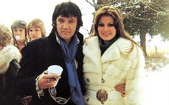 Elvis Presley şi iubita sa, Ginger Alden