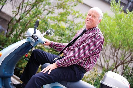 Ted Dawe, autorul romanului Into the river