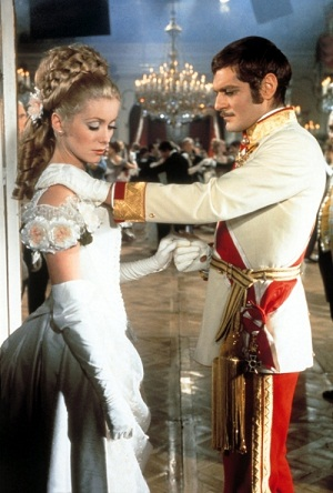 "Catherine Deneuve si Omar Sharif, in  ""Mayerling"" (1968)"