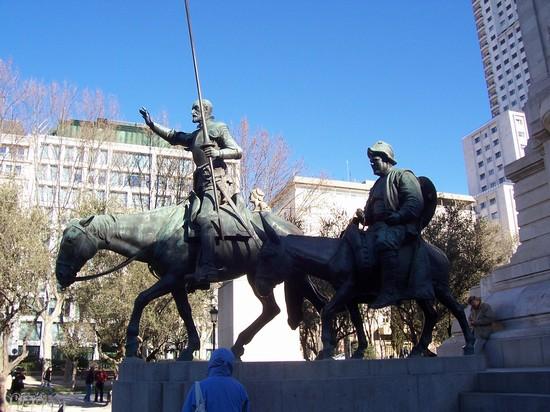 Don Quijote și Sancho Panza, la Madrid